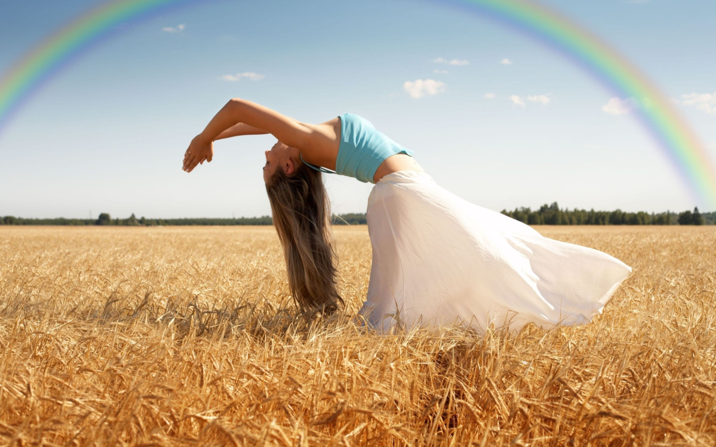 yoga-in-field-1440x900